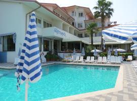 Hotel Nettuno, hotel in Bardolino