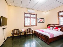 OYO 986 Authentic Osing Residence, hotel in Banyuwangi