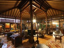 Bedhots Homestay, hotel with parking in Yogyakarta