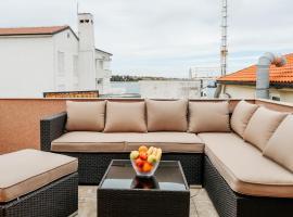 City Center Loft, family hotel in Novalja