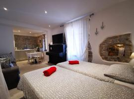 Romantic studio apartment, self catering accommodation in Lovran