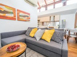 ClubHouse Residences Elm Attic Studio Suites (Staycation Approved), khách sạn ở Singapore