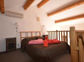 les Galejades phare, pet-friendly hotel in Porquerolles