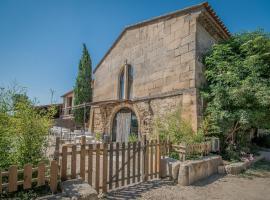 B&B Maison d'hôte Mas d'Eymard, guest house in Arles