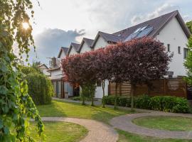 Villa Madre Golf & Family, golf hotel in Wisełka