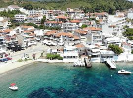 Sunshine Apartments, vacation rental in Neos Marmaras