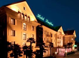 Hotel Simplon, hotell i Baveno
