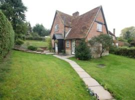 Fishermans Cottage Andover, hotel in Abbotts Ann