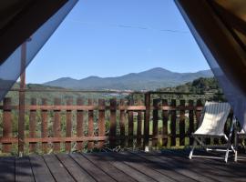 Podere di Maggio - Glamping tent 3, glamping site in Santa Fiora