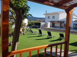 Artmonia, hotel in Castalla