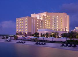 Traders Hotel Qaryat Al Beri Abu Dhabi, by Shangri-La, hotel in Abu Dhabi