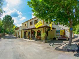 Parc de vacances La Draille, hotel in Souillac