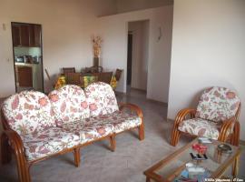 VILLA YAYANNE, Ferienunterkunft in Les Anses-d'Arlets