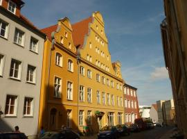 Altstadt Pension Hafenblick, guest house in Stralsund