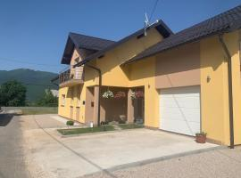 Sweet Dreams Home, guest house in Korenica
