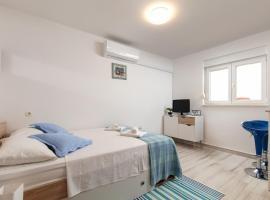 Apartment Ines, room in Split