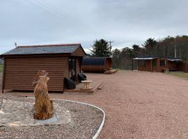 AC/DC Glamping, hotel in New Aberdour