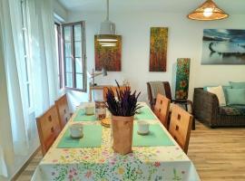 Kimu Home + Parking + Wifi, accommodation in Zarautz