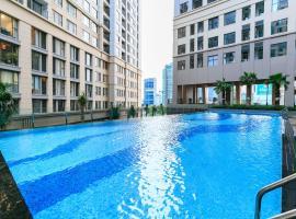 TeeUP Home - Saigon Royal, hotel near Nha Rong Wharf, Ho Chi Minh City