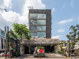 Capital O 991 D'batoe Boutique Hotel, hotel near Santosa Hospital, Bandung