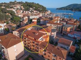 Hotel Due Torri, hotel a Porto Azzurro