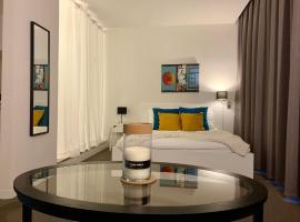 Suite 336, hotel in Menen