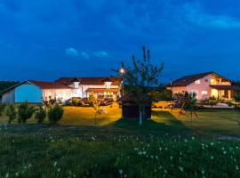 Apartments and rooms Hope, hotel v destinaci Slunj