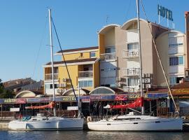 Hôtel Port Beach, hotel in Gruissan