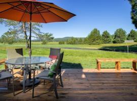 63 Meadow House, villa in Sunriver