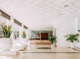 Hotel Safari, отель в Гандии