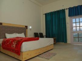 Kailash island view, hotel in Khajjiar