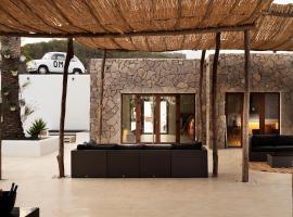 OM Hotels, Hotel in der Nähe von: Punta Pedrera, Sant Francesc de s'Estany