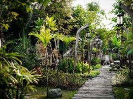La Luna Resort Yogyakarta, resort in Yogyakarta