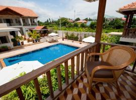 Bambu Hotel, hotel in Battambang