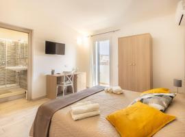 B&B fuori rotta, guest house in Avola