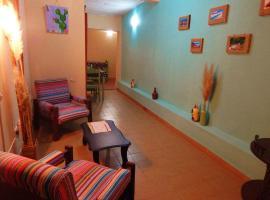 Samay Salta, habitación en casa particular en Salta