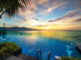 Sala Danang Beach Hotel, hotel in Danang