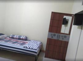 Victory Guest House, guest house in Tulungagung
