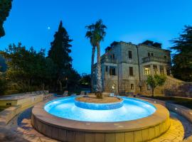 Villa Filaus B&B, hotel with pools in Dubrovnik