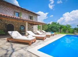 Villa Lumaca, holiday home in Opatija