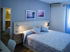 Hotel Bari, hotel cerca de Real Novo Sancti Petri Golf Club, Conil de la Frontera