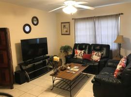 Great Location near Downtown & Airport, vacation rental in Tampa