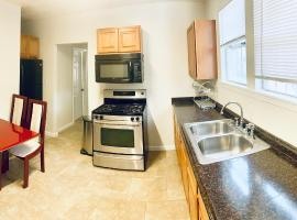 Fountain Guest Suites, homestay in Los Angeles