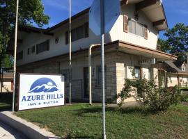 Azure Hills Inn and Suites, motel in Fredericksburg