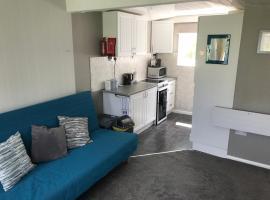 183 Sandown Bay Holiday Centre, cabin in Sandown