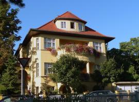 Pension Villa Gisela, hotel near Belvedere Palace, Weimar