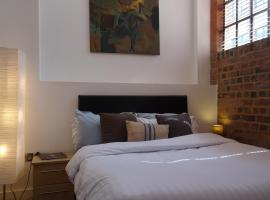 Mint Guest Room, hotel near Museum of the Jewellery Quarter, Birmingham