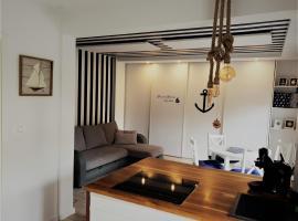 Apartament 200m do plaży, sted med privat overnatting i Gdańsk