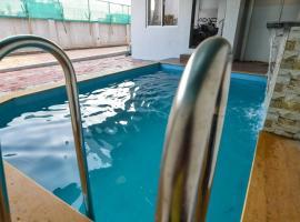 Empyrean stays 2bhk Good Luck villa, villa in Lonavala