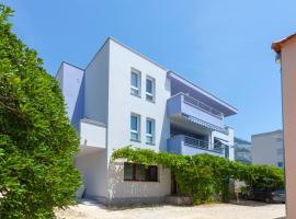 Blue House, apartment in Makarska